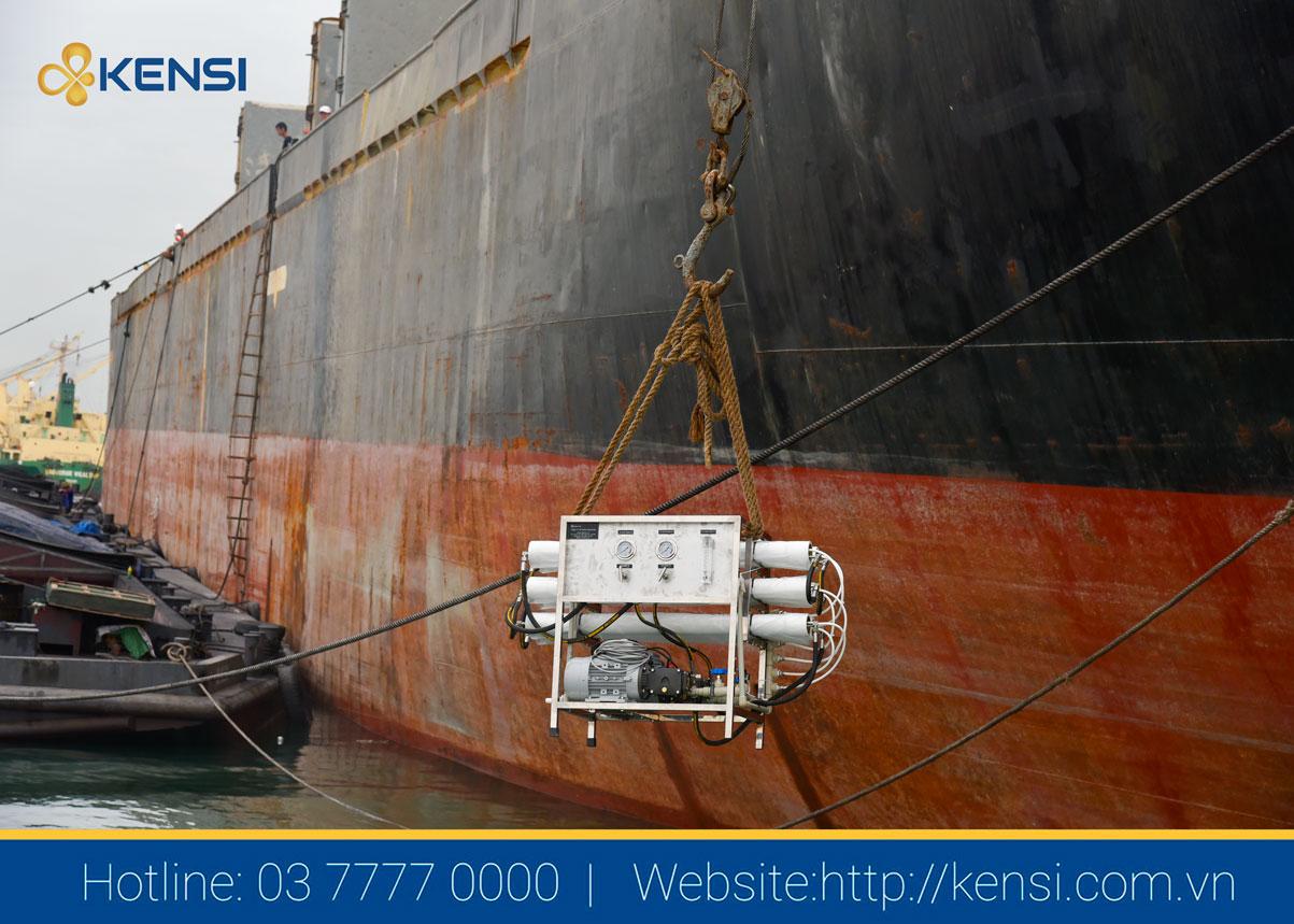 Hệ thống máy lọc nước biển thành nước ngọt cho tàu biển