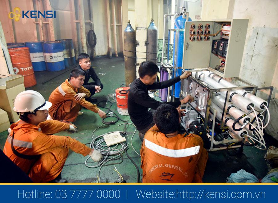 Lắp đặt máy lọc nước biển trên tàu hàng quốc tế